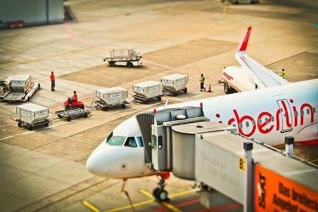 Aircraft and baggage handlers using tilt-shift
