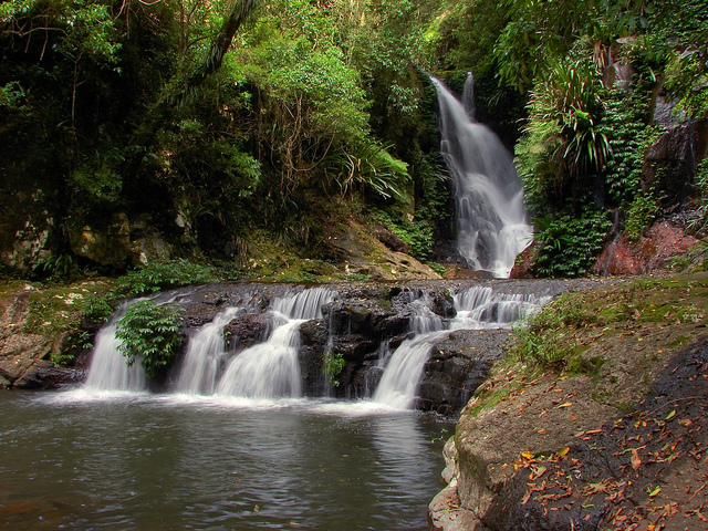 elabana falls in queensland