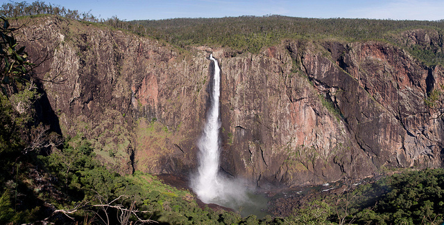 wallaman falls in queensland